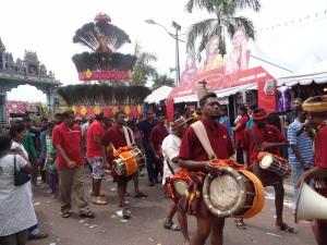 thaipusam-dancing