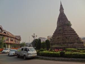 roundabout_stupa